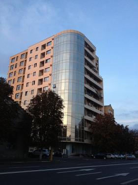 Bloc locuinte B-dul Lapusneanu (intrare sat-vacanta)