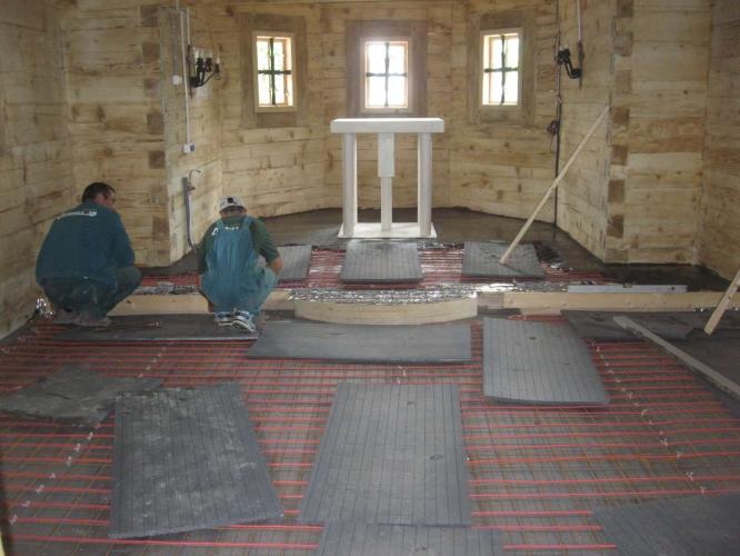 Sistem încălzire în pardoseală biserică