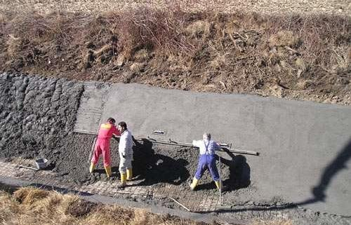 Turnare canale din beton armat
