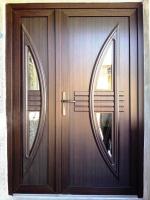 Ușă exterioară cu tâmplărie PVC
