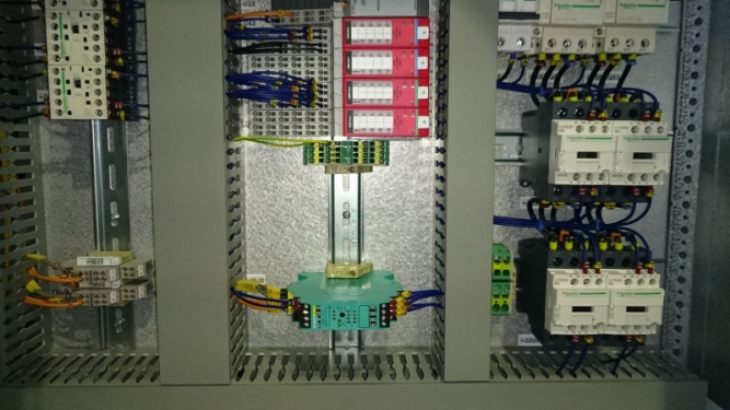 Executie cabinet electric