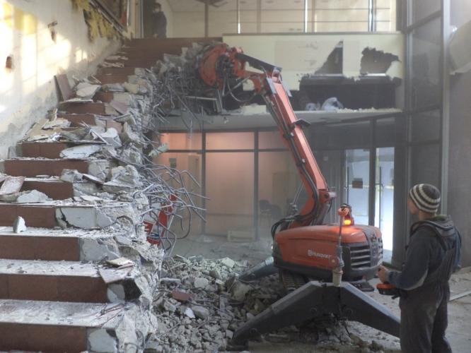 Demolari interioare cu robot